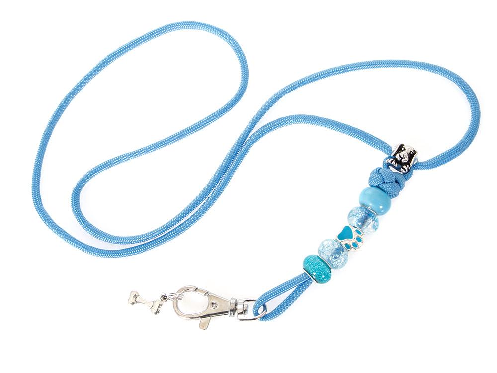 Mein hellblaues Pfeifenband mit Schmucksteinen