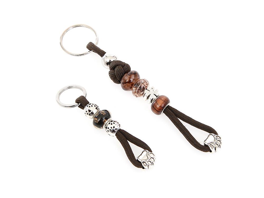 Mein brauner Schlüsselanhänger mit Schmucksteinen