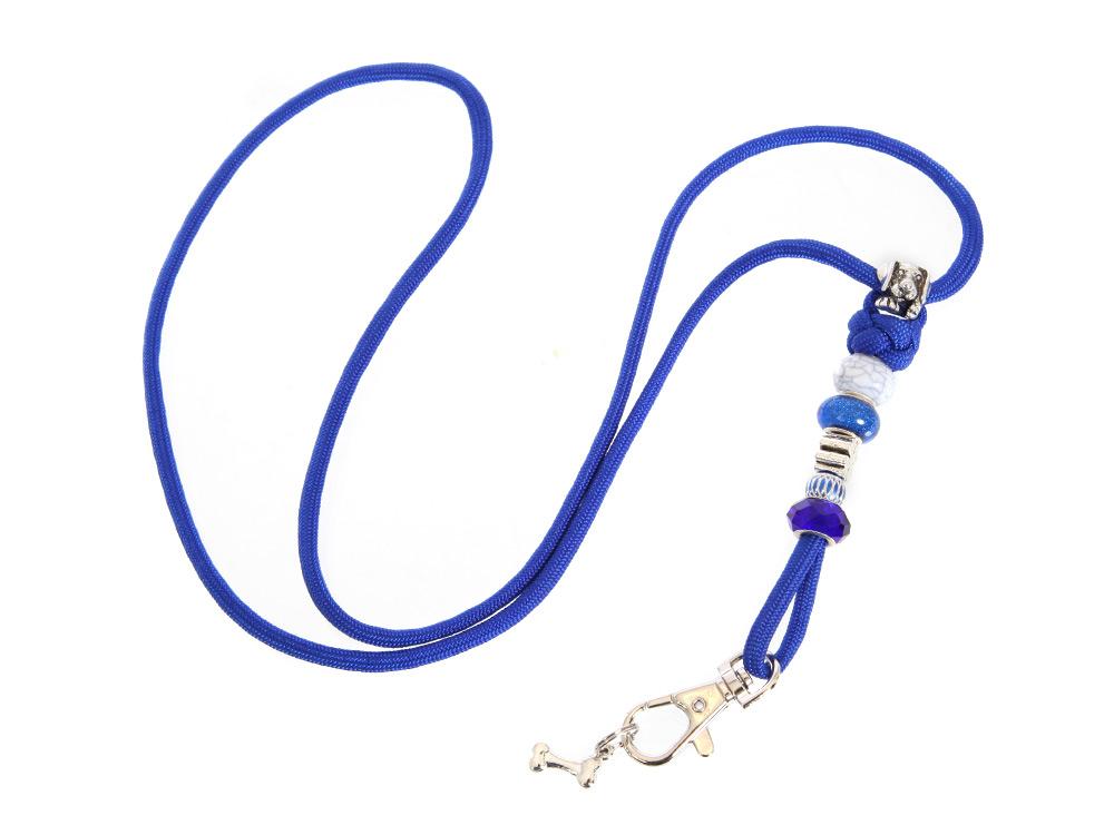 Mein marineblaues Pfeifenband mit Schmucksteinen