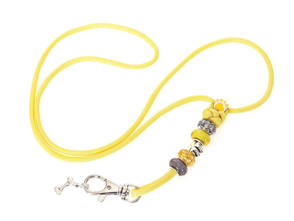 Mein gelbes Pfeifenband mit Schmucksteinen